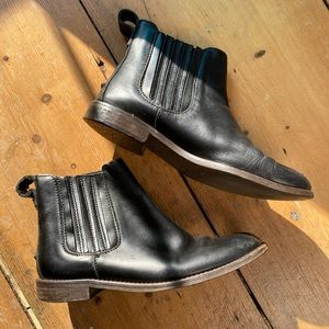 Madewell pull-in leather booties